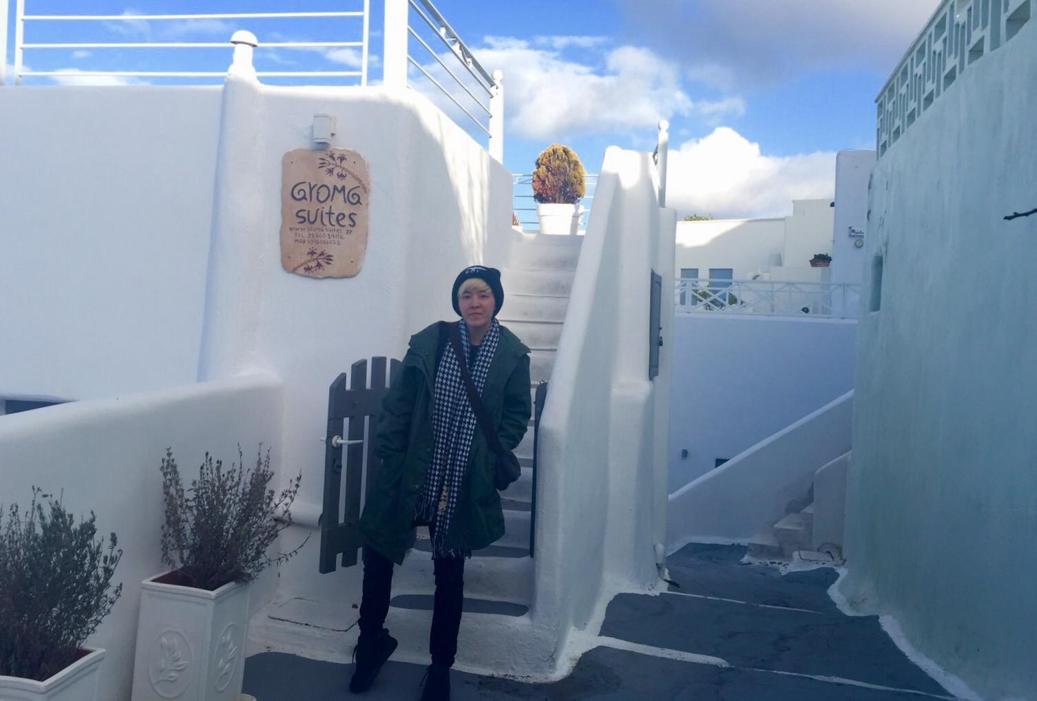 november winter in santorini owned the island wander baz. Black Bedroom Furniture Sets. Home Design Ideas