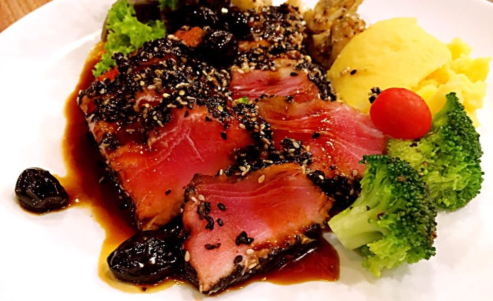 sesami crusted ahi Tuna brazzo