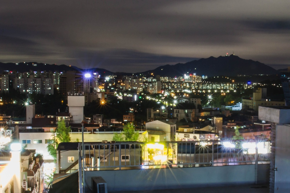 rooftop of yacht guesthouse itaewon seoul