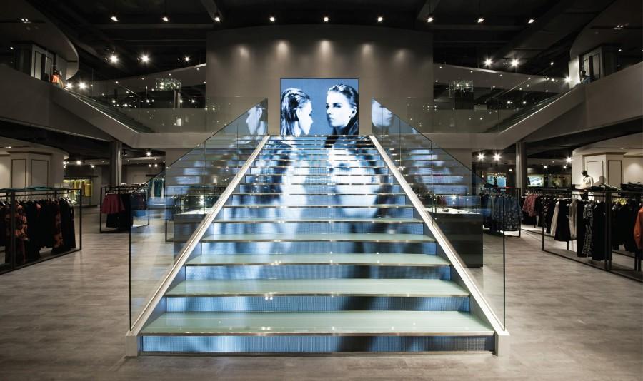 LOGO fashion mall evolve mall