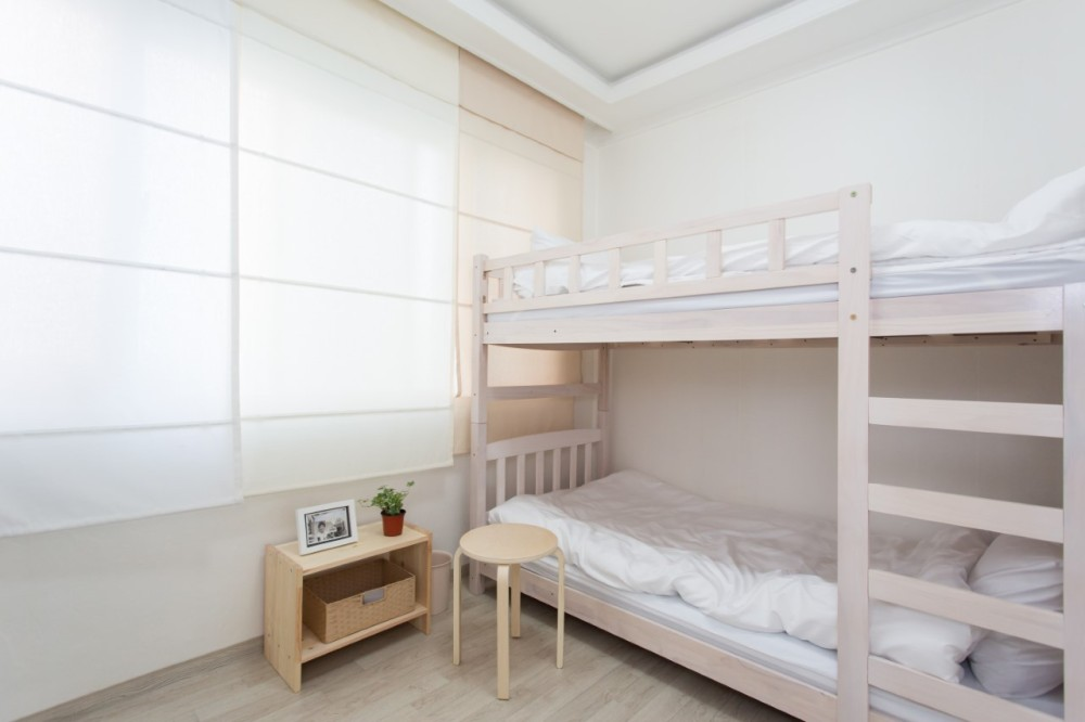 issue seoul guesthouse hongdae hapjeong
