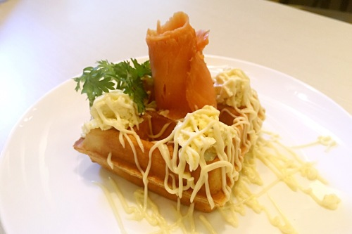okonomi publika japanese cuisine mont kiara sushi roll